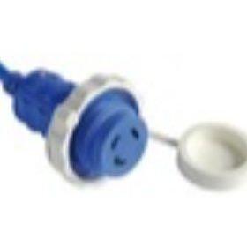 Stopcontacten, stekkers en kabels voor de kade van OSCULATI